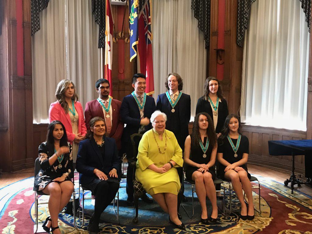 La Médaille de l'Ontario pour les jeunes bénévoles